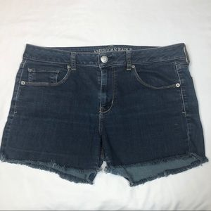 American Eagle Skinny Cut Off Shorts Size 14